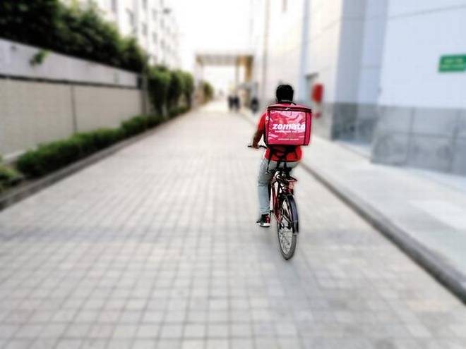 Zomato Delivery Boy Set an Example For Everyone
